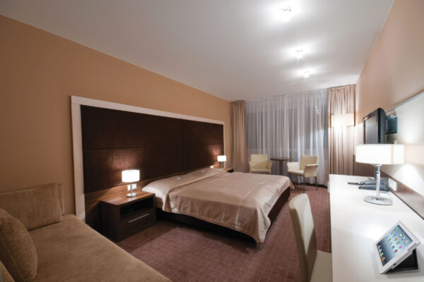 IPORT-LAUNCH-hotel
