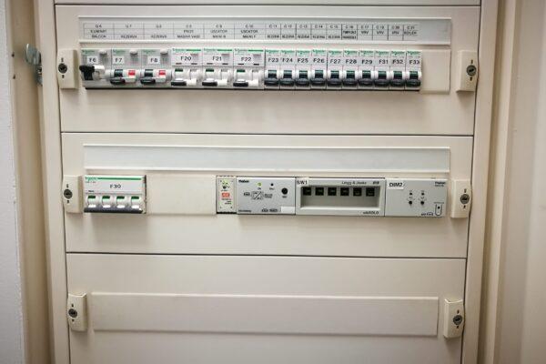 Tablou-electric-automatizare-cladire-inteligenta-Aleea-Alexandru