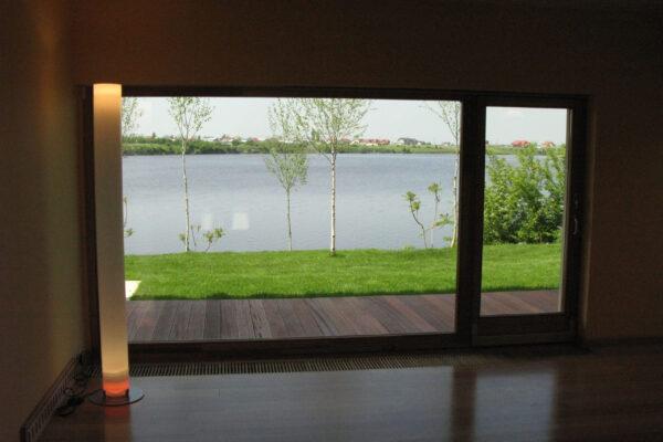 Lampa-iluminat-inteligent-Crevedia