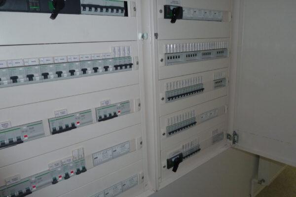 Electric-panel-fuses-Auditorium