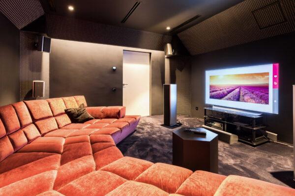 Home-cinema-Smart-Home-Vila-MB