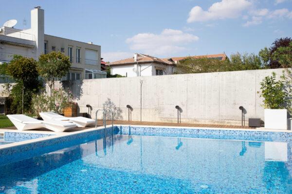 Sistem-sonorizare-piscina-Vila-MB