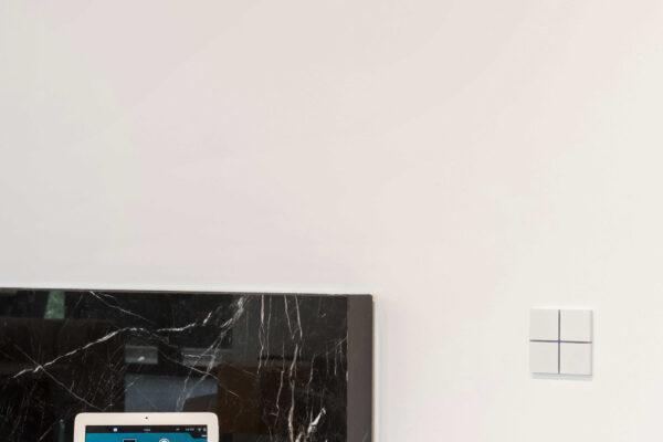 Smart-home-touch-panel-keypad-Vila-MB