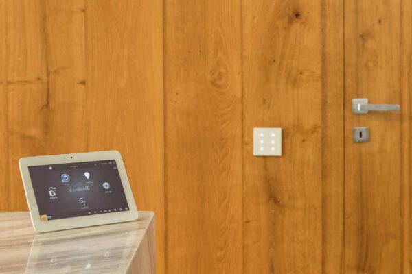 Touch-pad-Control4-keypad-Zennio-Vila-MB