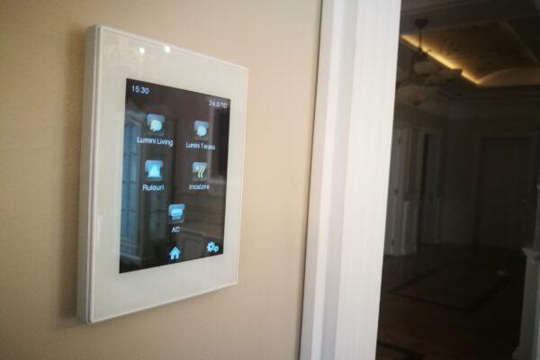 Touch-panel-Zennio-Z41-Apartament-T
