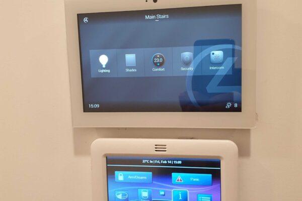 Touch-panel-smart-home-Lake-Villa
